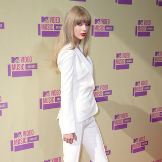 Taylor Swift at the MTV VMAs 2012 | Pictures