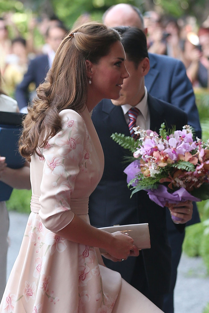 Kate Middleton Dons 2 Stylish Looks For Day 1 in Singapore With William