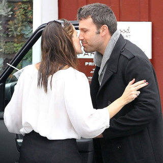 Jennifer Garner and Ben Affleck Kissing | Pictures