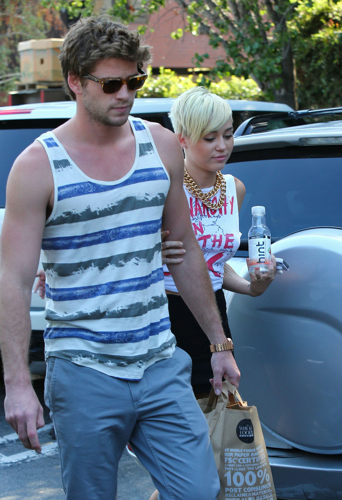 Miley Cyrus went grocery shopping with Liam Hemsworth in LA.