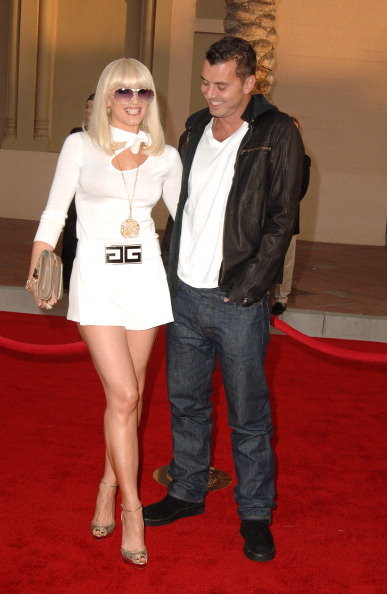 Gwen Stefani and Gavin Rossdale walked the red carpet arm in arm at LA's American Music Awards in November 2006.