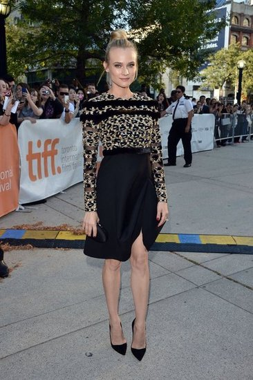 Diane Kruger stepped out in embellished Valentino Couture for the premiere of Inescapable. Her simple black accessories tied the look together seamlessly.
