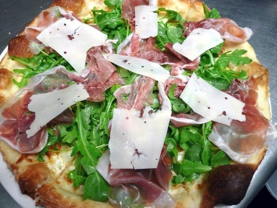 A1 Cucina Italiana in Beverly Hills - Arugula, Prosicutto and Parmigiano Pizza