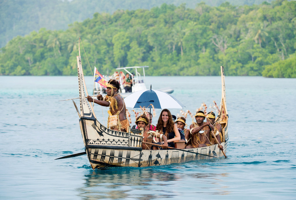 Kate Middleton was transported on a traditional canoe.