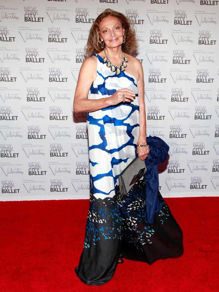 Diane von Furstenberg looked gorgeous in her own design, a printed one-shoulder gown with lace hem.