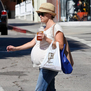 Pregnant Reese Witherspoon Shopping at Barneys
