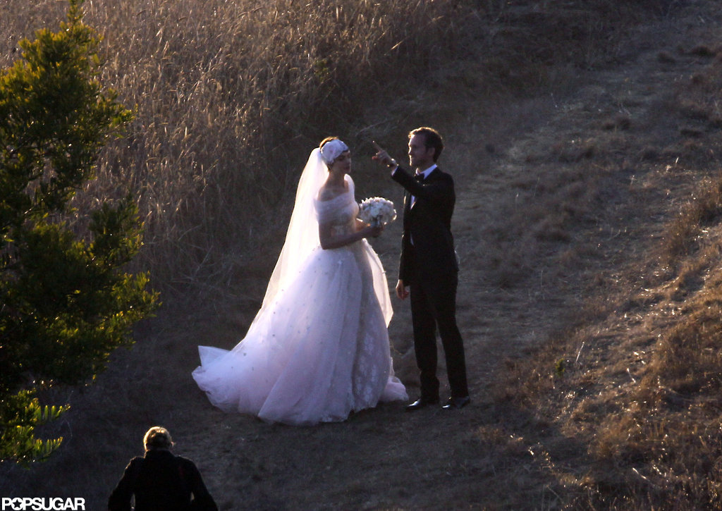 Anne Hathaway wore a Valentino gown for her wedding to Adam Schulman.