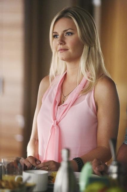 Elisha Cuthbert on Happy Endings.