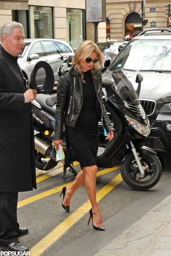 Kate Moss crossed a street in Paris.