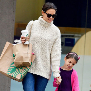 Katie Holmes and Suri Cruise at Starbucks | Pictures