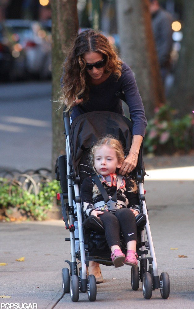 Sarah Jessica Parker fixed Tabitha Broderick in her stroller.