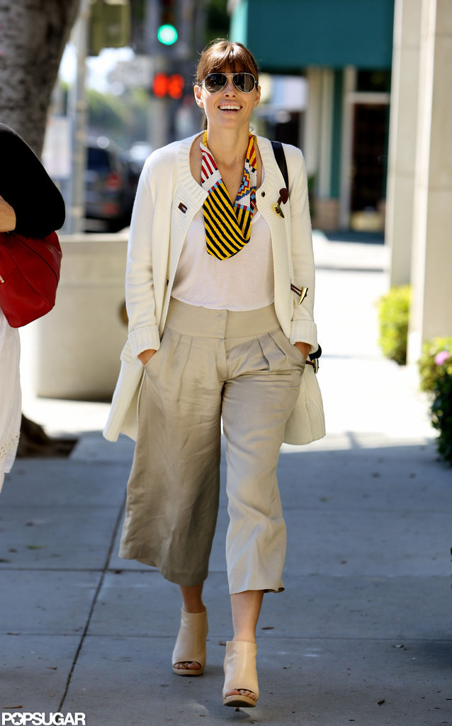 Jessica Biel wore wide-legged pants.