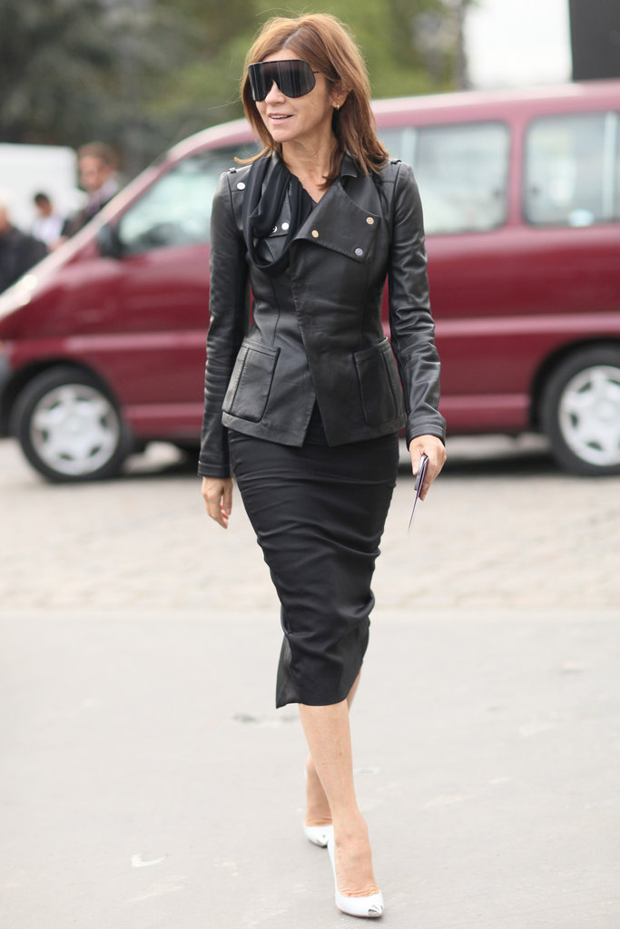 Carine Roitfeld doesn't mix it up often, but why should she? She works editrix-in-chief sleek like nobody's business in a slim pencil and an edgy leather jacket.