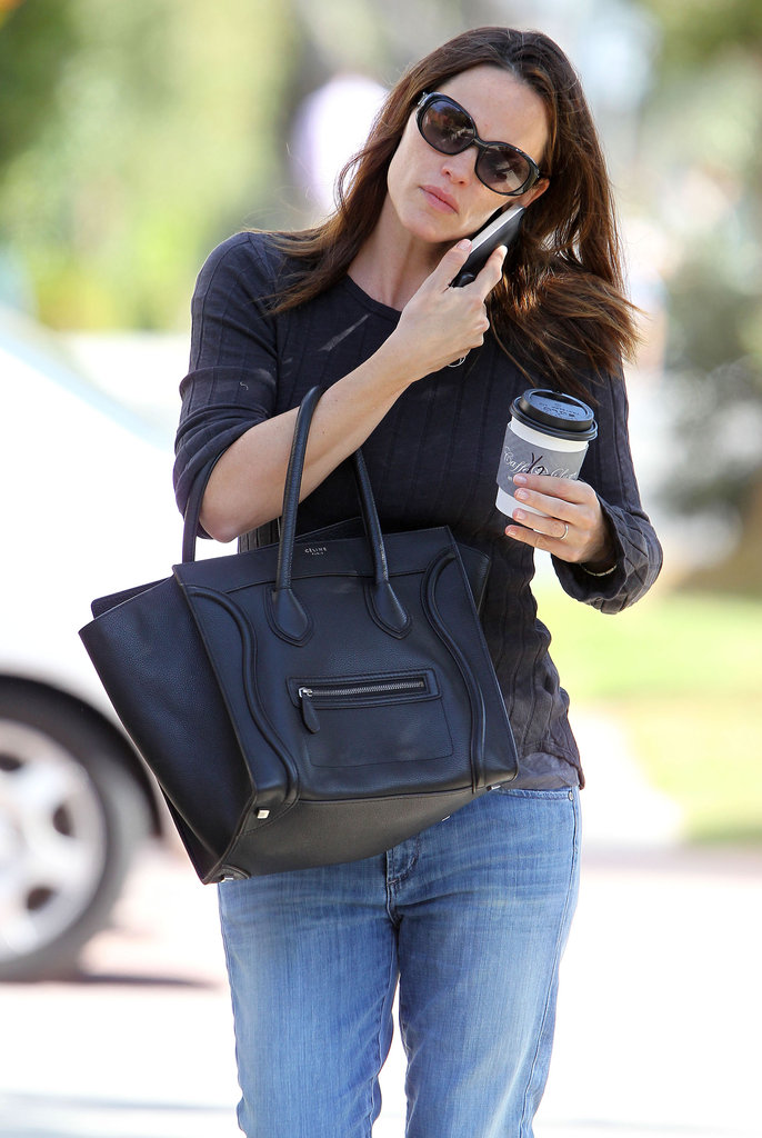 Jennifer Garner juggled her phone and a coffee in Brentwood.