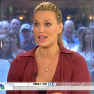 Molly Sims Interview About Postpartum Body