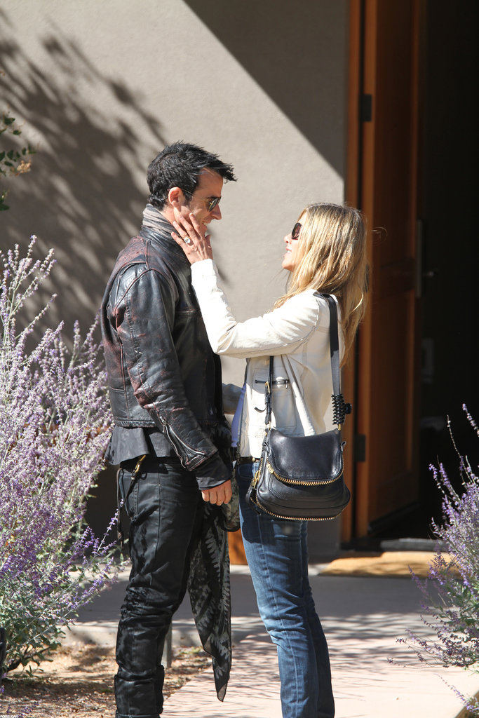Jennifer showed off her engagement ring during an October 2012 trip to Santa Fe, NM.
