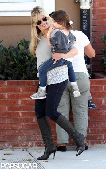 Sarah Michelle Gellar carried Charlotte in LA.