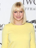 Anna Faris wore a yellow shift dress.