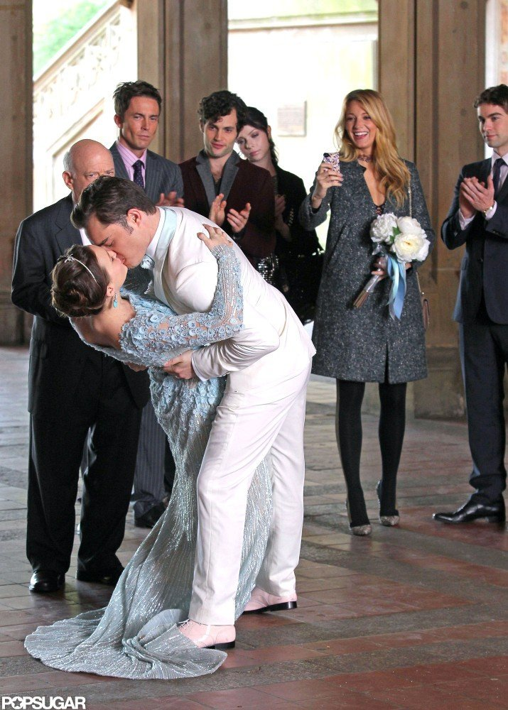 Blake Lively filmed scenes for Gossip Girl with Leighton Meester and Ed Westwick in NYC.
