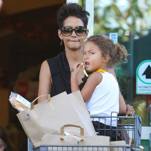 Halle Berry Grocery Shops With Nahla Aubry | Pictures
