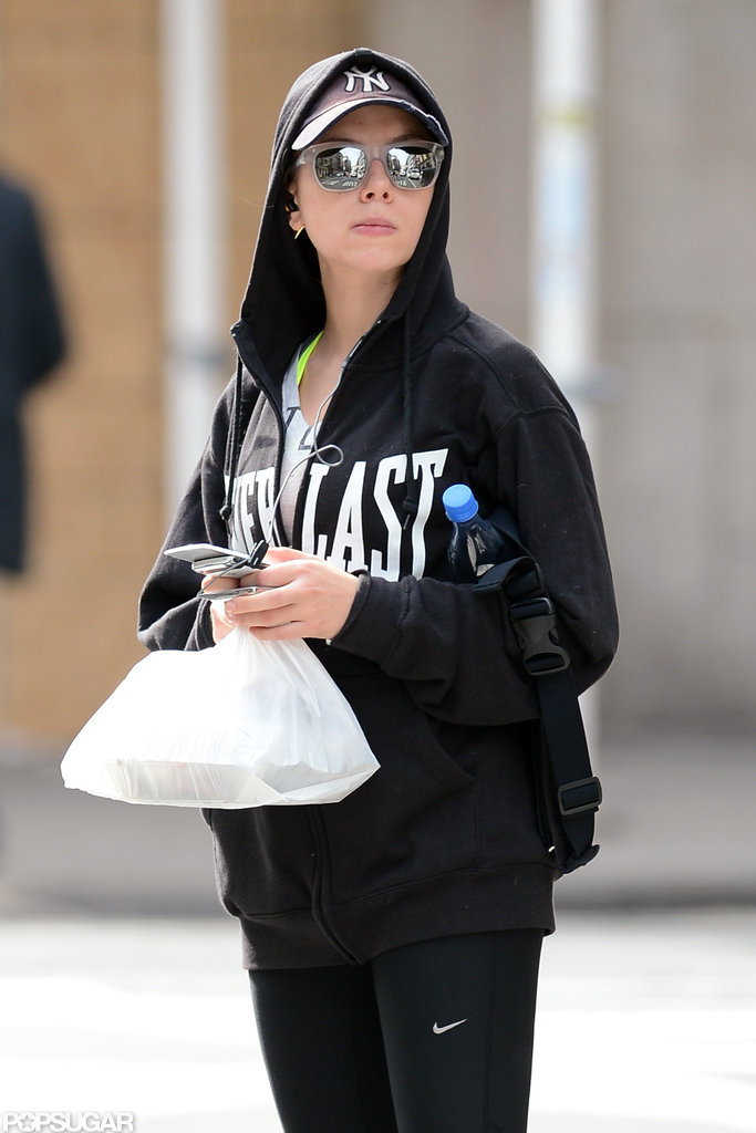 Scarlett Johansson wore workout gear and a black sweatshirt in NYC.