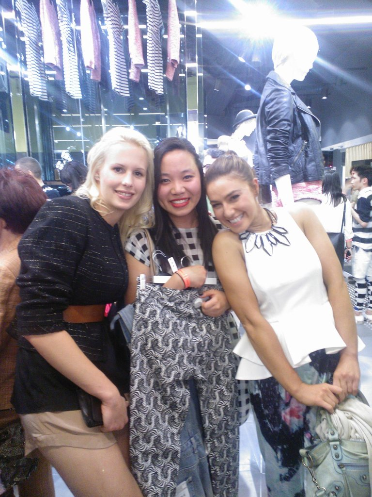 Look who Jess bumped into at the Topshop Sydney opening — Julia and Alice from MasterChef!