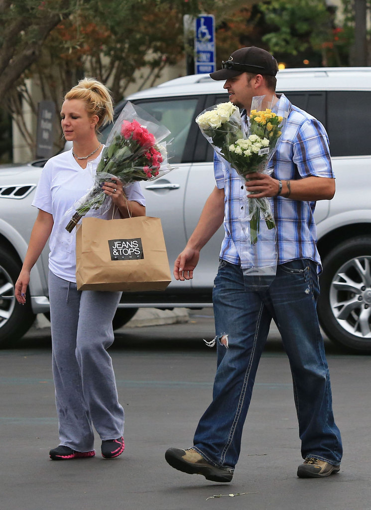 Britney Spears picked up some flowers.