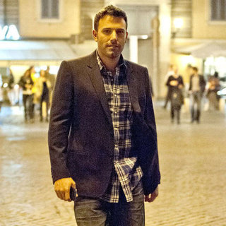 Ben Affleck Eating Dinner in Rome | Pictures