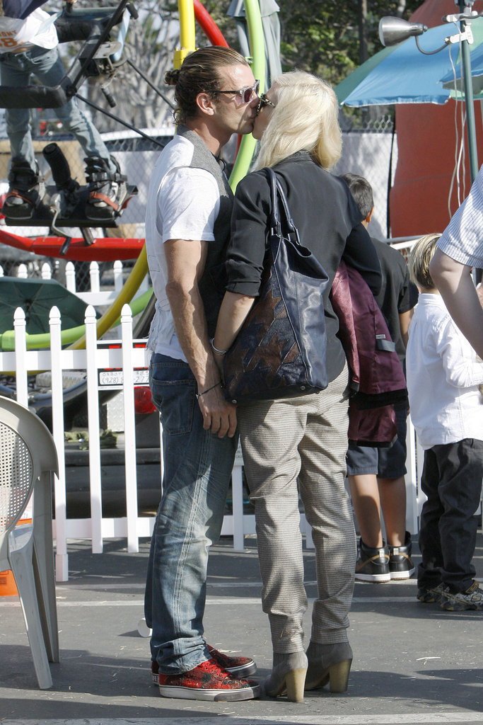 Gwen Stefani and Gavin Rossdale snuck a kiss at the pumpkin patch.