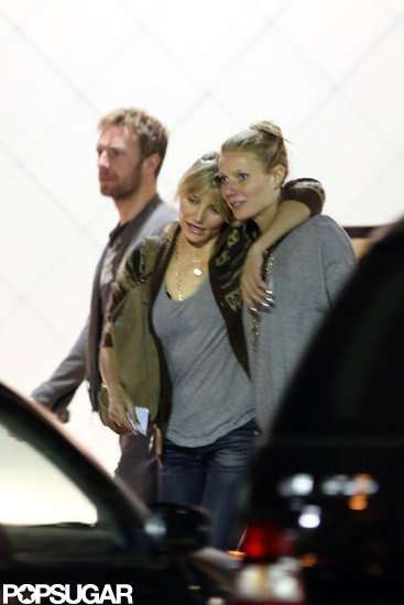 Gwyneth and Chris Do Dinner and Hugs With Cameron