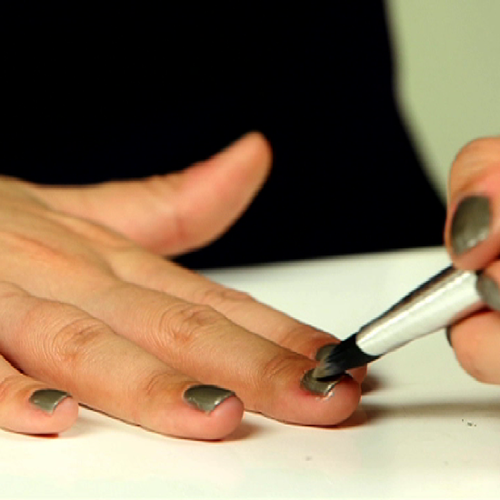 How to Fix Chipped and Smudged Nail Polish