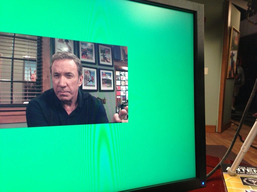 Tim Allen messed around on the set of Last Man Standing. Source: Twitter user ofctimallen