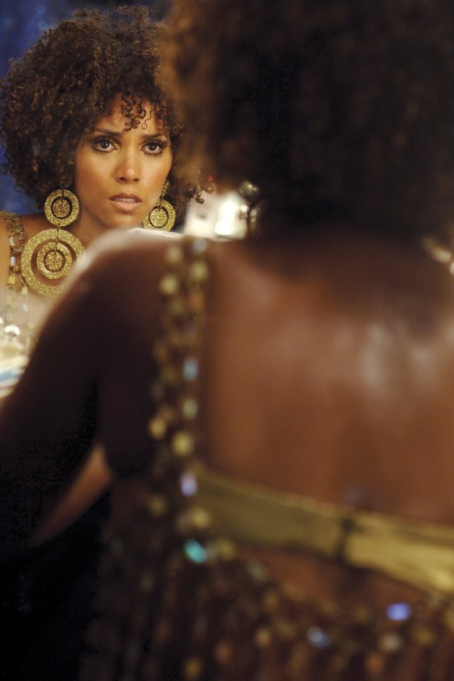 Halle Berry as Frankie in Frankie & Alice, 2010