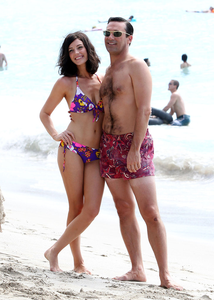 Jon Hamm and Jessica Paré posed for photos in Maui.