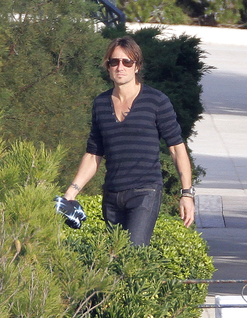 Keith Urban Celebrates His 45th Birthday in a Speedo