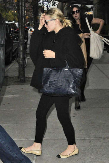 Ashley Olsen wore all black.