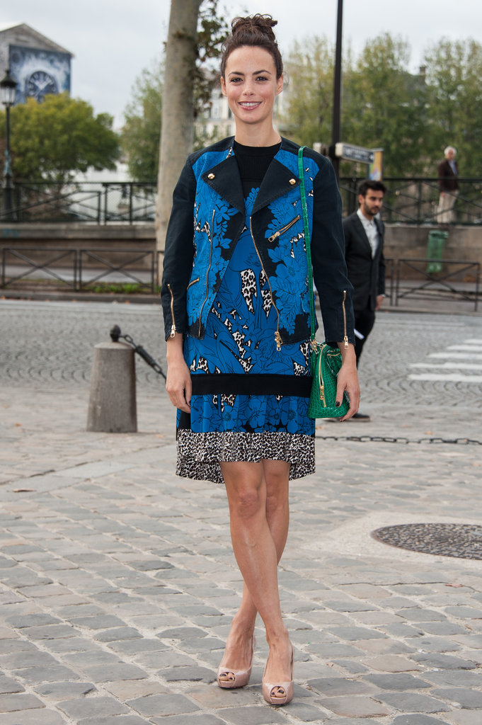 Bérénice Bejo made a serious statement in a bold printed Louis Vuitton dress at the brand's Paris Fashion Week show.