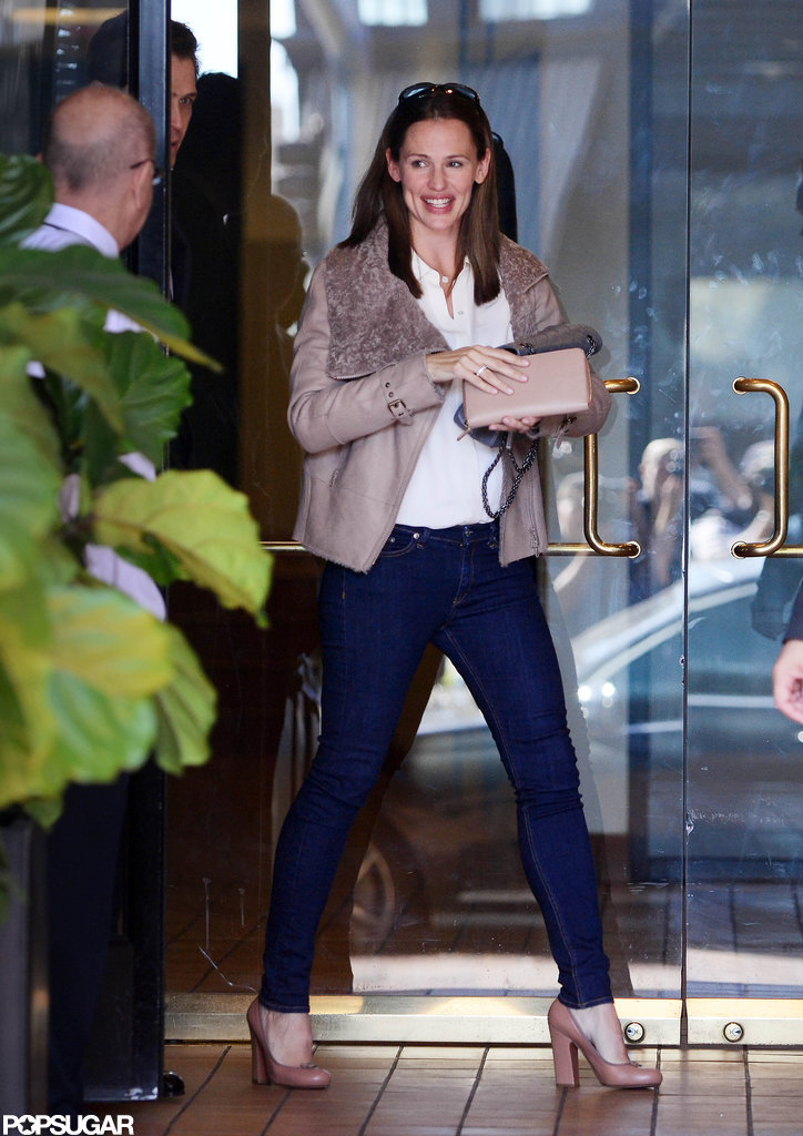 Jennifer Garner Leaves a Business Meeting With a Smile