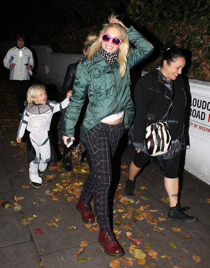 Gwen Stefani bundled up while Zuma Rossdale dressed as a Stormtrooper.