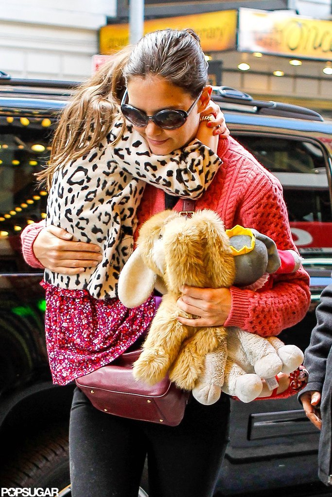 Katie Holmes carried Suri Cruise.