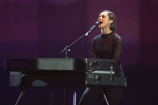 Alicia Keys performed at the MTV EMAs in Frankfurt.