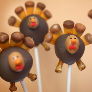 Thanksgiving Cakes, Cupcakes, and Cake Pops