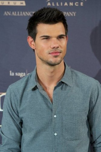 Taylor Lautner was out in Madrid.