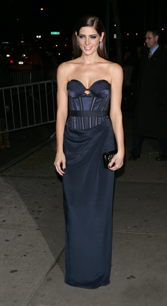 For the Breaking Dawn Part 2 NYC premiere, Ashley Greene showed off her shape in a slim-fit Donna Karan Atelier strapless in a moody navy hue.