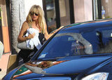 Goldie Hawn got into a car.