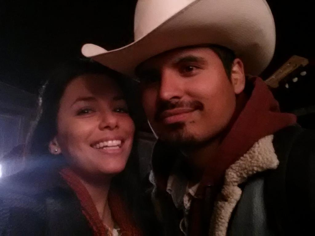 Eva Longoria cuddled close to pal Michael Peña. Source: Twitter user EvaLongoria