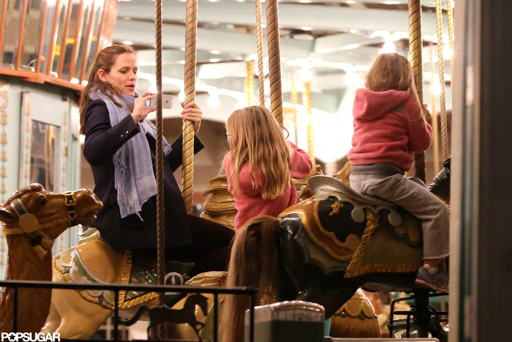 Jennifer Garner snapped a picture of Violet and Seraphina Affleck.