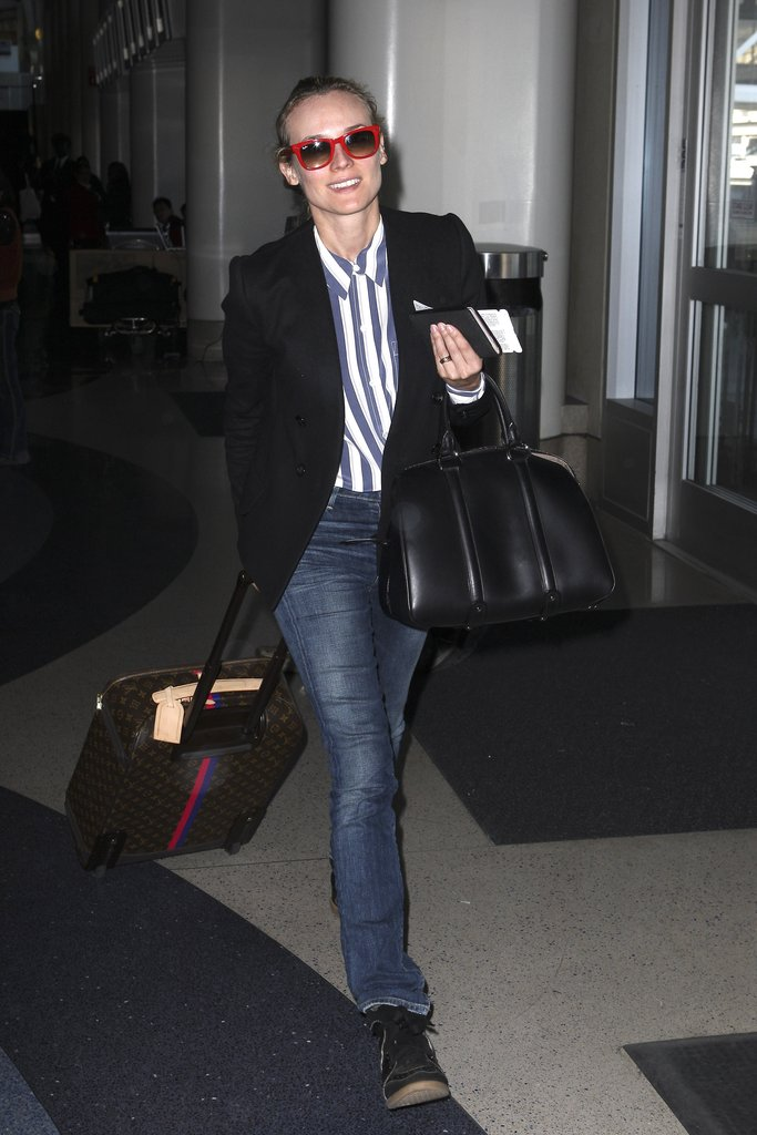Diane Kruger arrived to the airport.