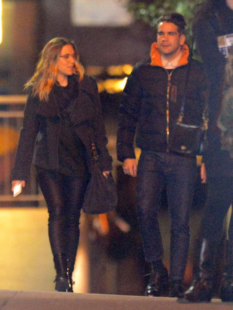 Scarlett Johansson and her new boyfriend Romain Dauriac took a walk after dinner in NYC.