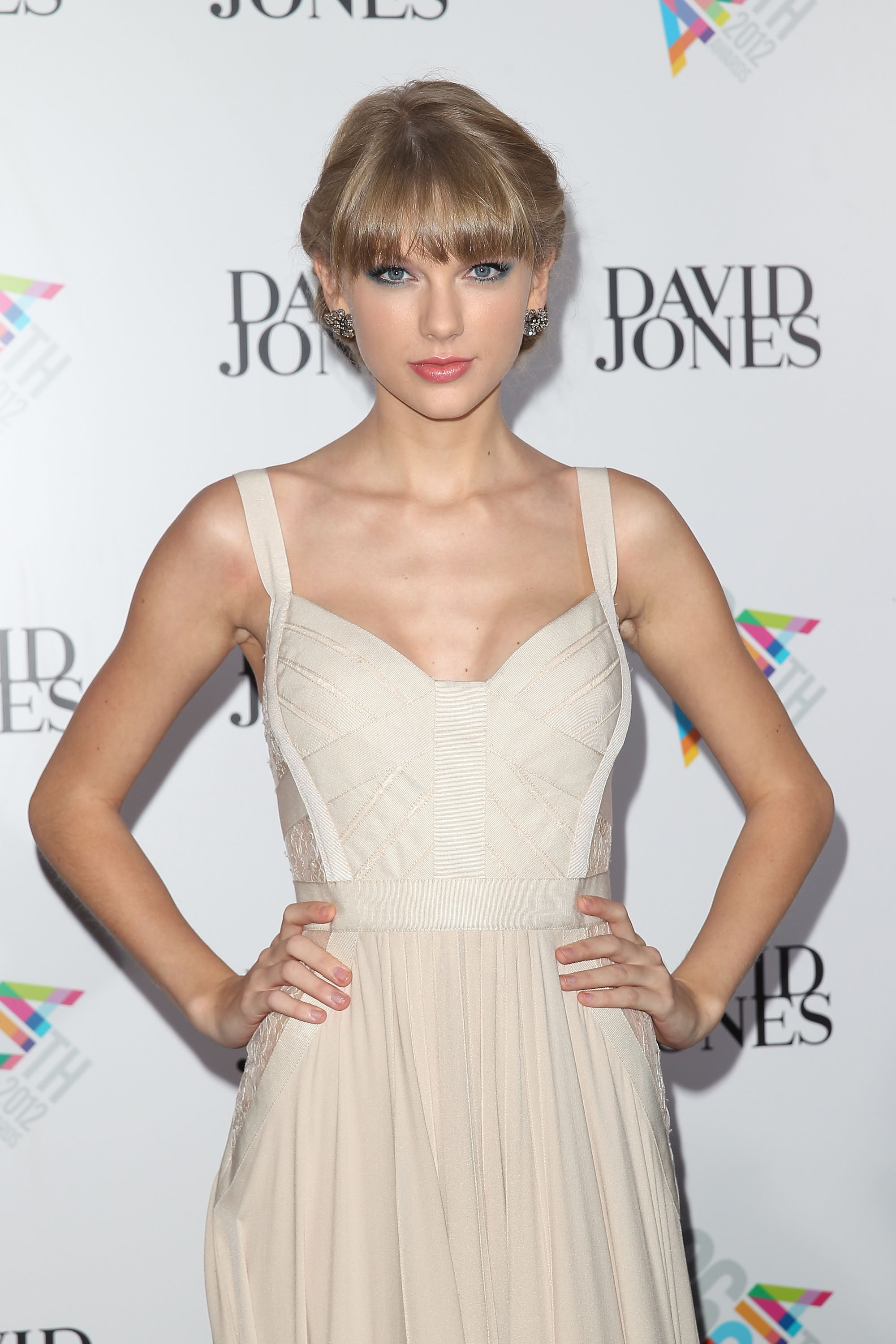 Taylor Swift donned an Elie Saab gown.